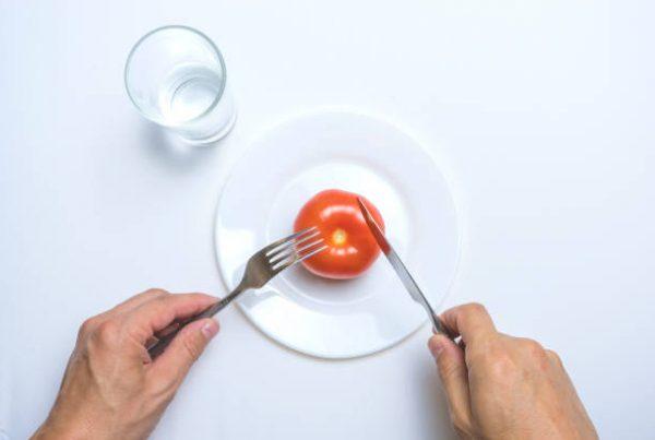 أخصائية تغذية